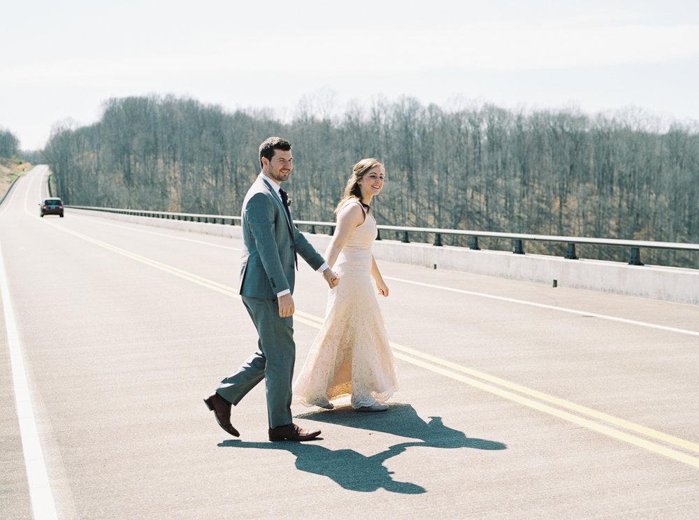 laurel+kelly_natchez_trace_grays_on_main_franklin_film_wedding_photographers©2017abigailbobophotography-34.jpg