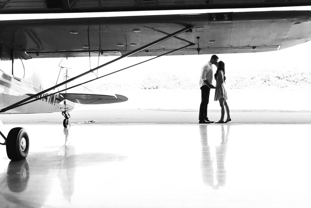 lianna + chuck airplane engagement session ©2017abigailbobophotography-11.jpg