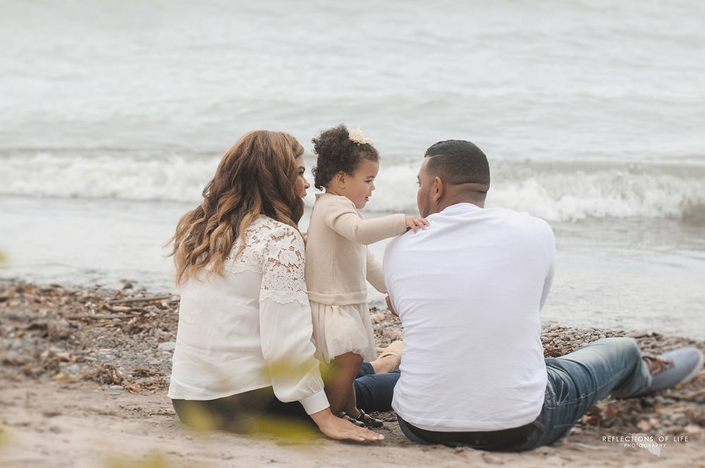 beach-fun-family-photographs-professional.jpg
