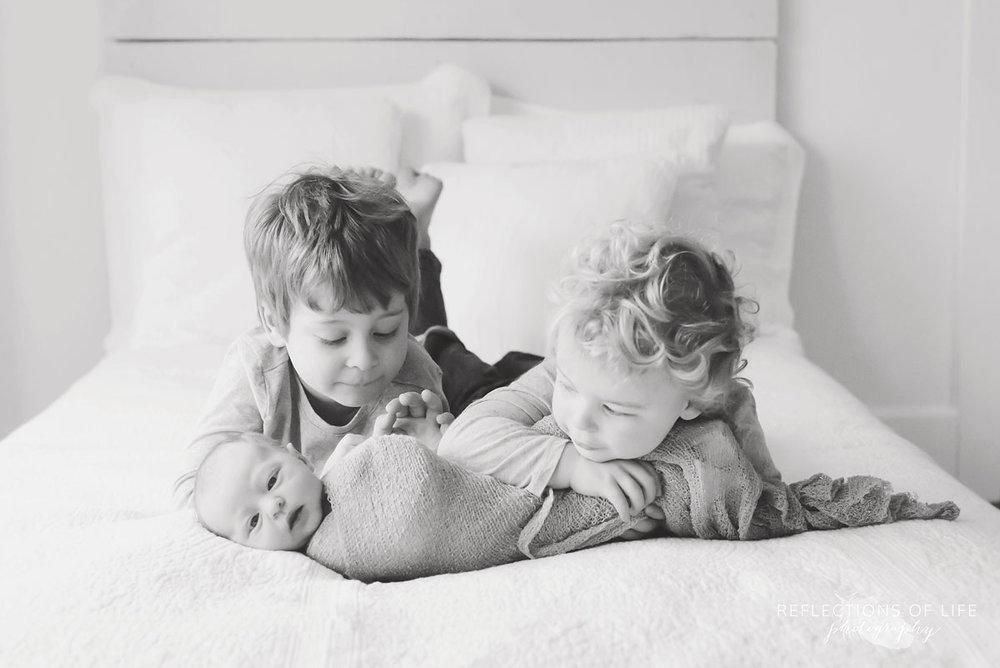006 genuine newborn and sibling photography Toronto Ontario