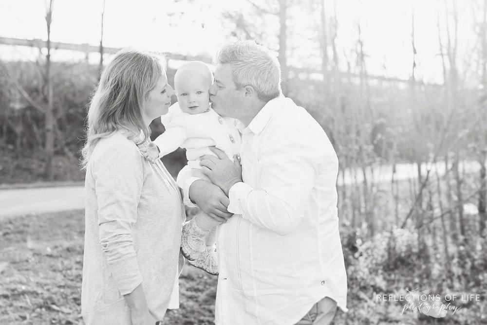 002 Black and White Ontario Family Photos