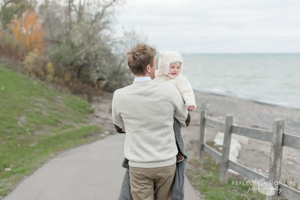 Ontario family photographer at the beach in fall 2017