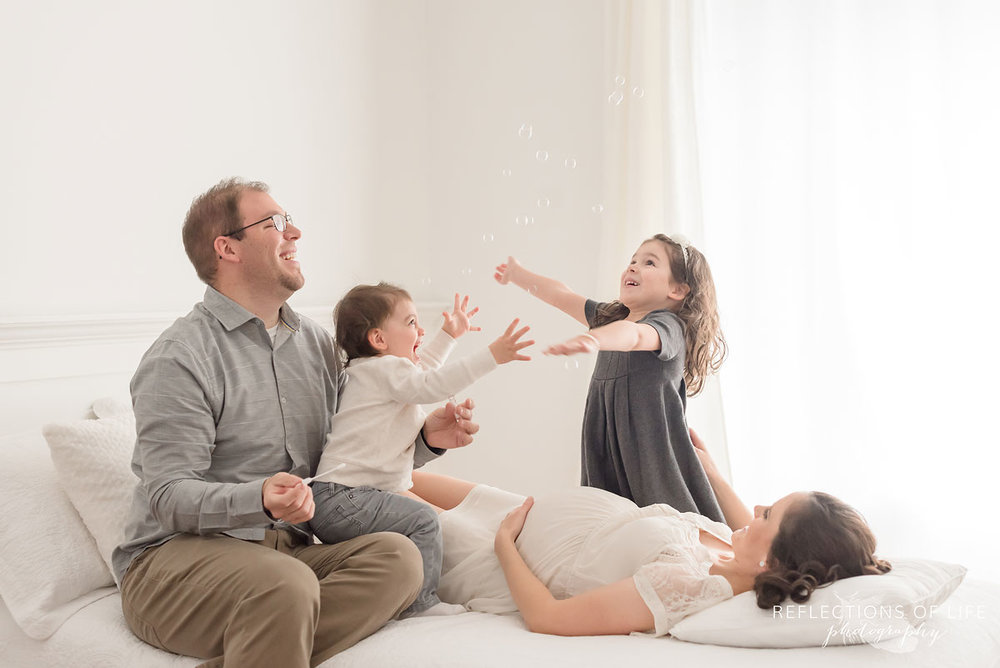 family and maternity photos in grimsby ontario canada.jpg
