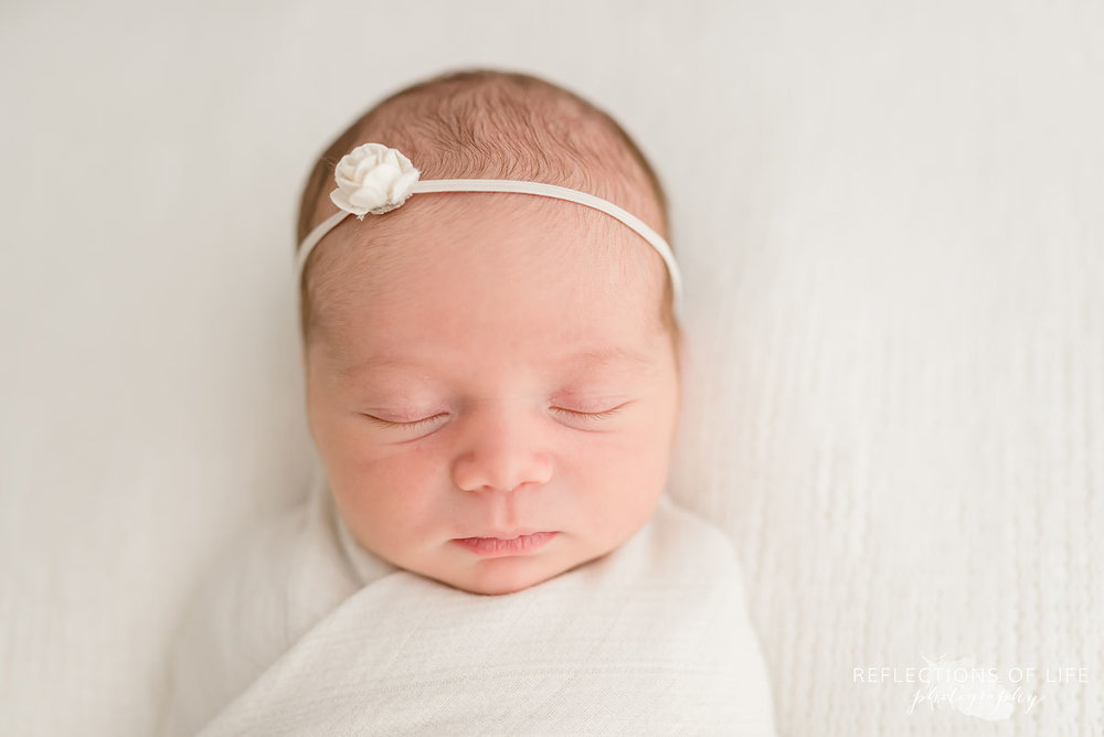 newborn baby girl headshot grimsby photo studio