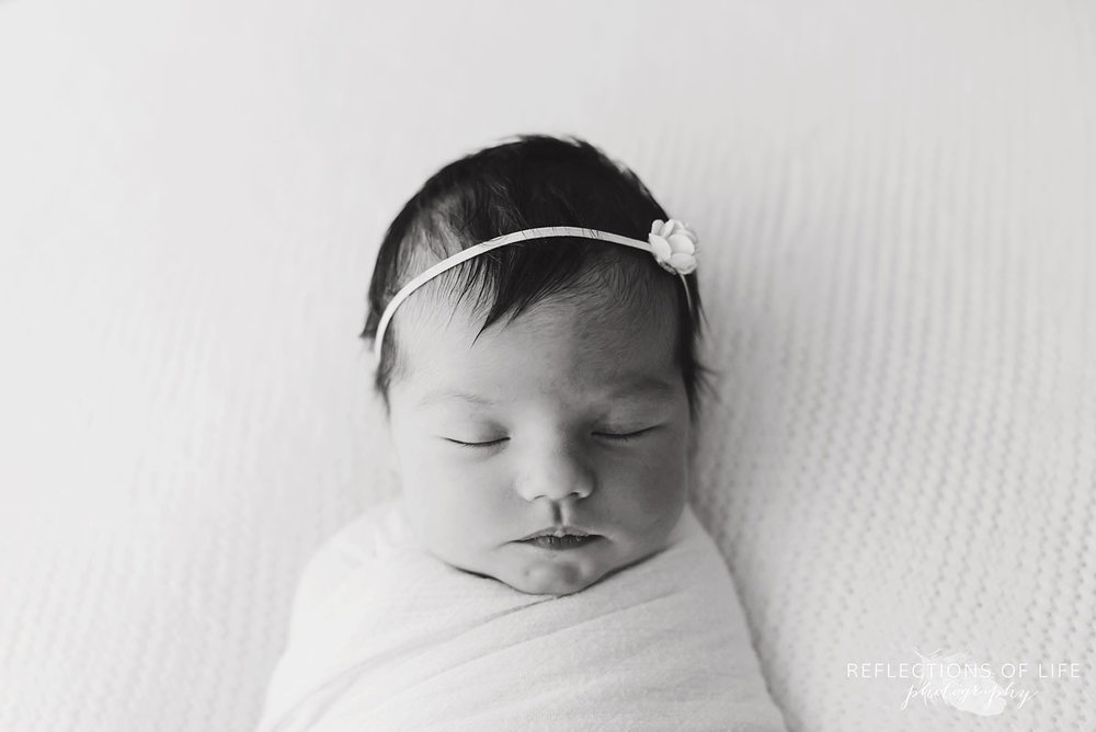 Niagara newborn photography in black and white