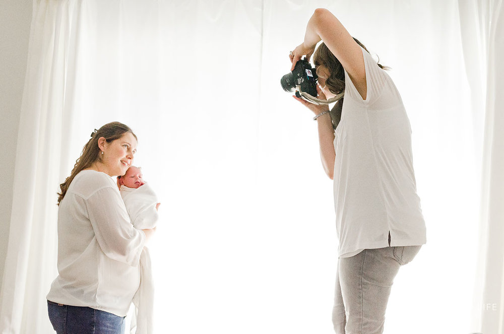 032-Niagara-Newborn-Photography-Behind-The-Scenes.jpg