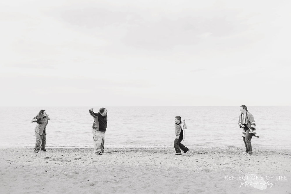outdoor family photos by the beach