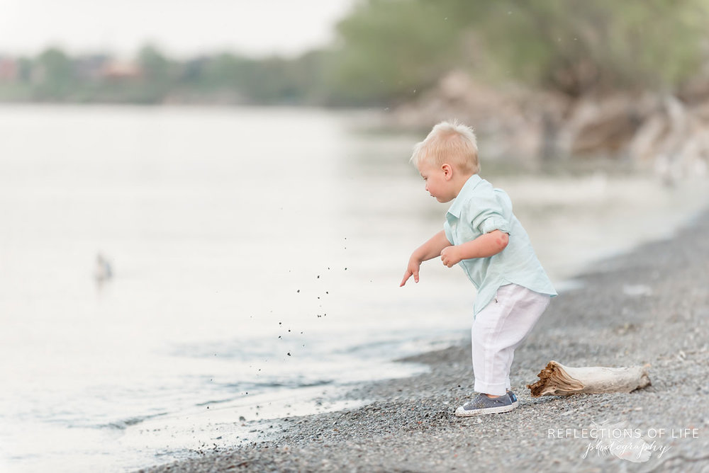 Cute children's photography by Lake Ontario