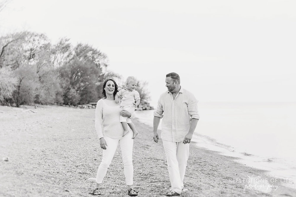 Lifestyle family photography by Lake Ontario