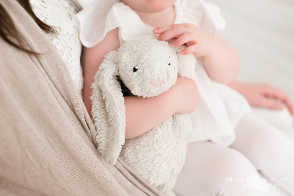 little girl brings her bunny to photo shoot in grimsby ontario