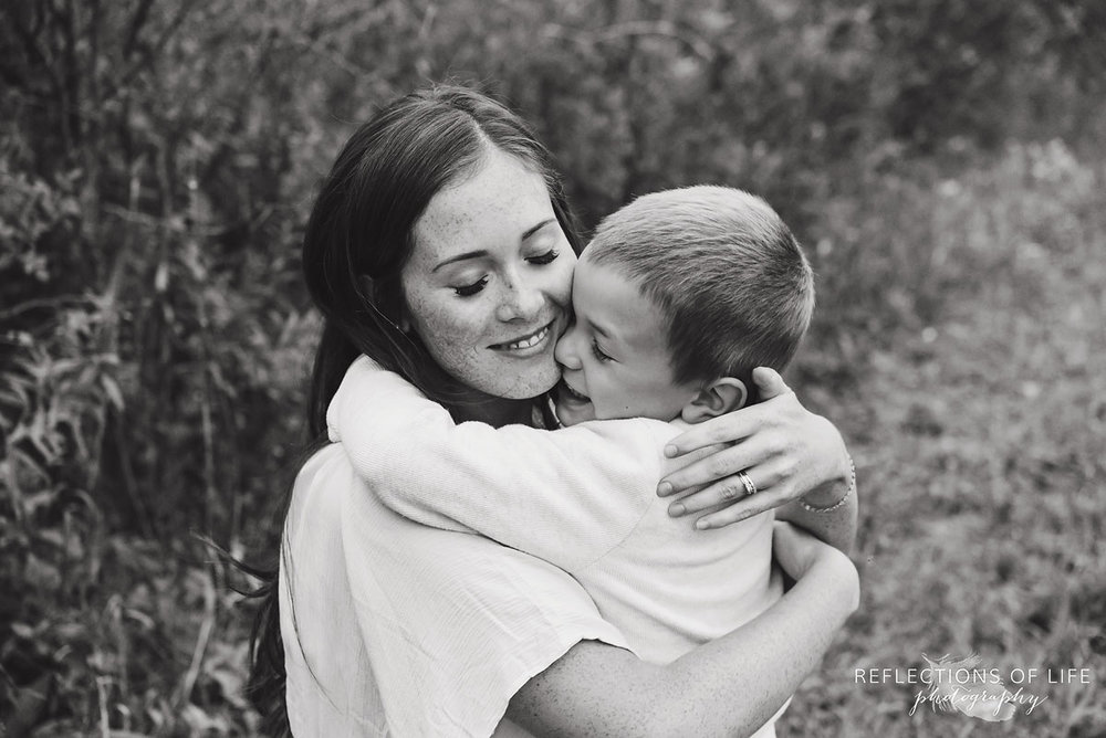 034 mama and son hugging in Grimsby