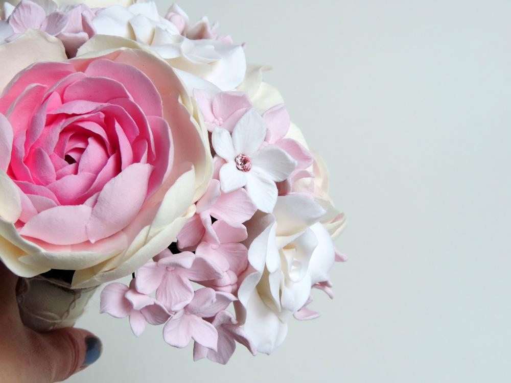 Pink ranunculus bouquet_02_Leigh Ann Gagnon.JPG