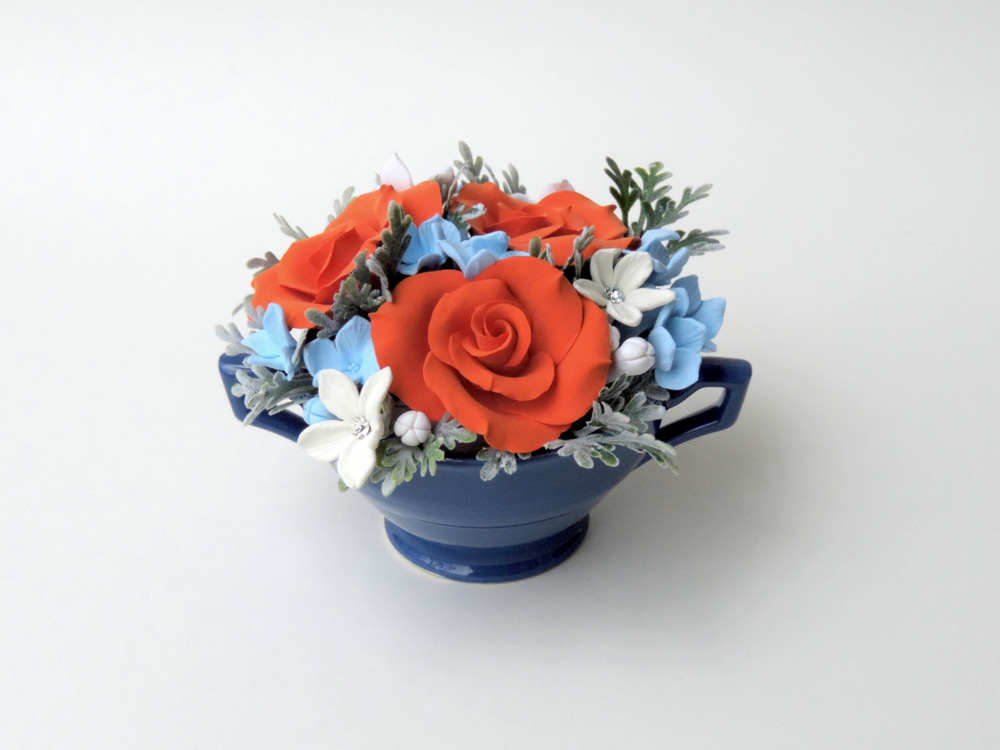 Teacup arrangement_07a_orange blue_Leigh Ann Gagnon.JPG
