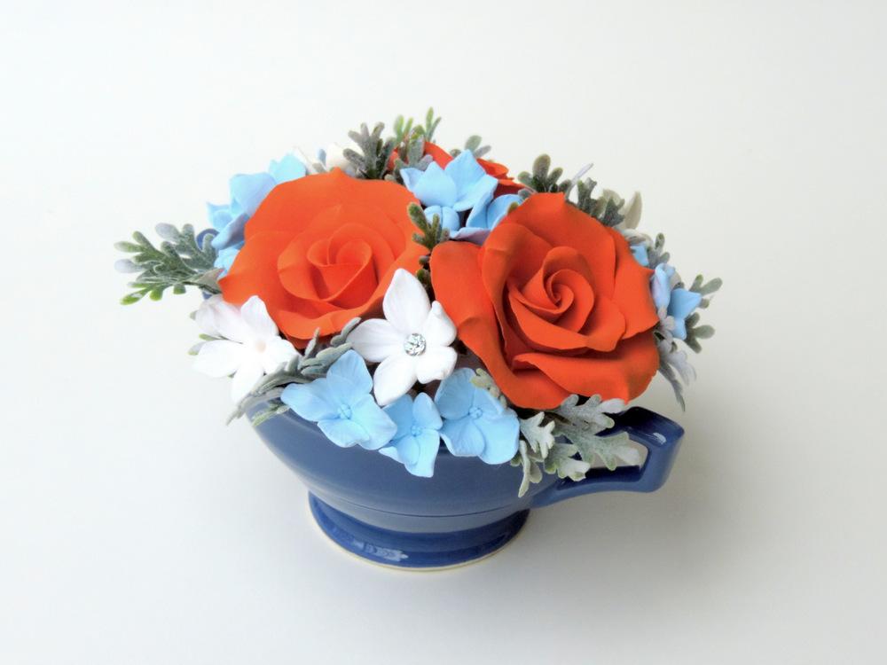 Teacup arrangement_07c_orange blue_Leigh Ann Gagnon.JPG
