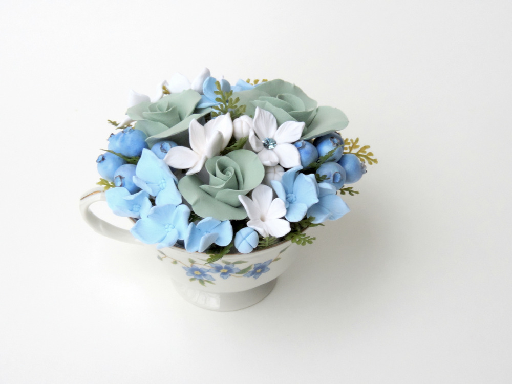 Teacup arrangement_01a_blue_Leigh Ann Gagnon.JPG