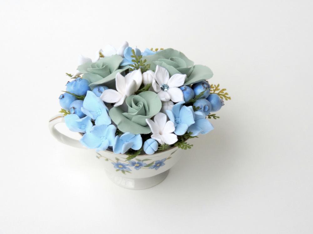 Teacup arrangement_01a_blue_Leigh Ann Gagnon.JPG