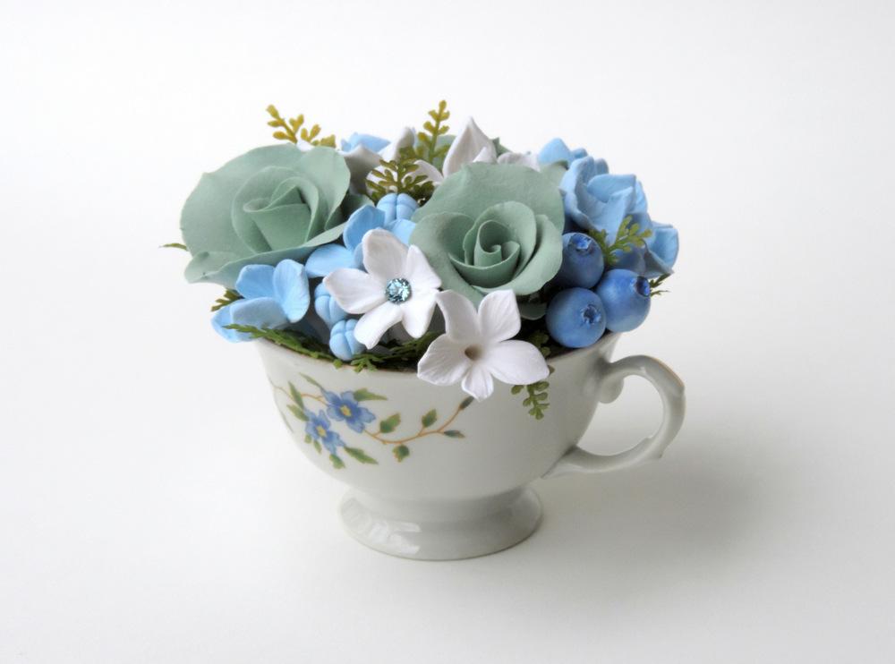 Teacup arrangement_01c_blue_Leigh Ann Gagnon.JPG