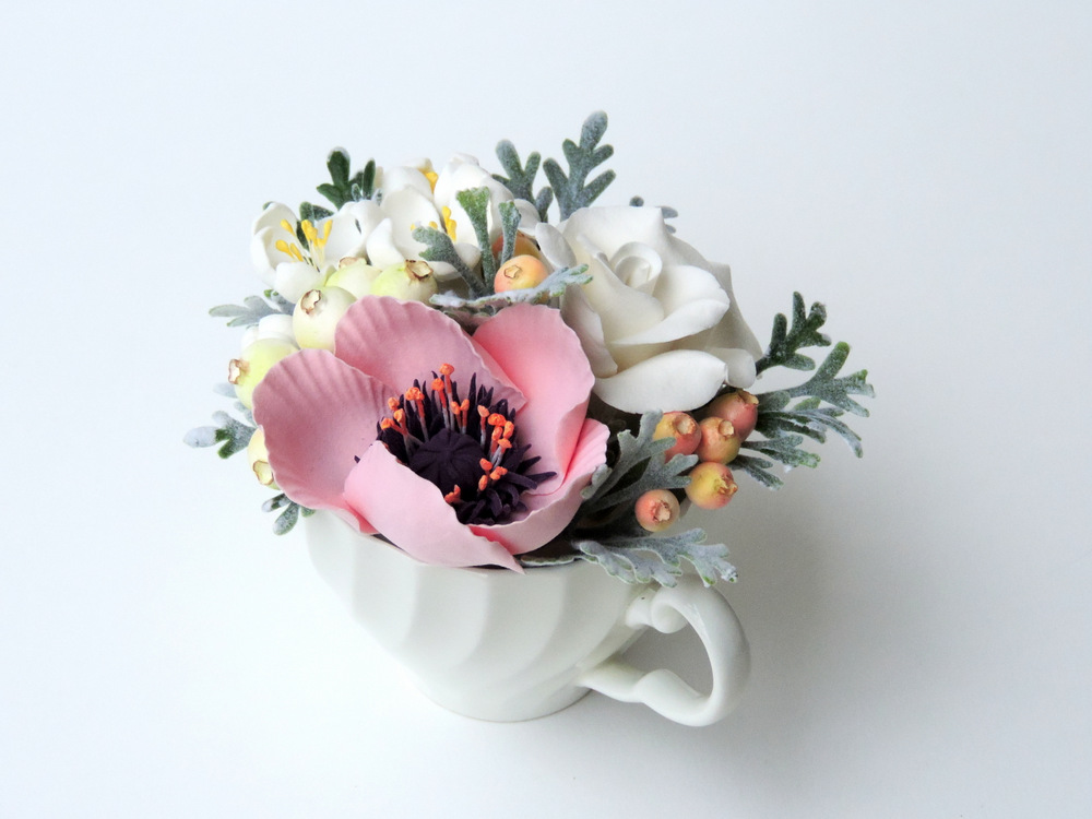 Teacup arrangement_05c_pink_Leigh Ann Gagnon.JPG