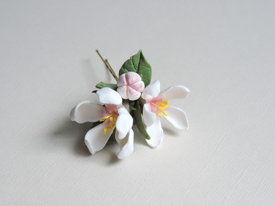 hair pin_white apple_02.jpg