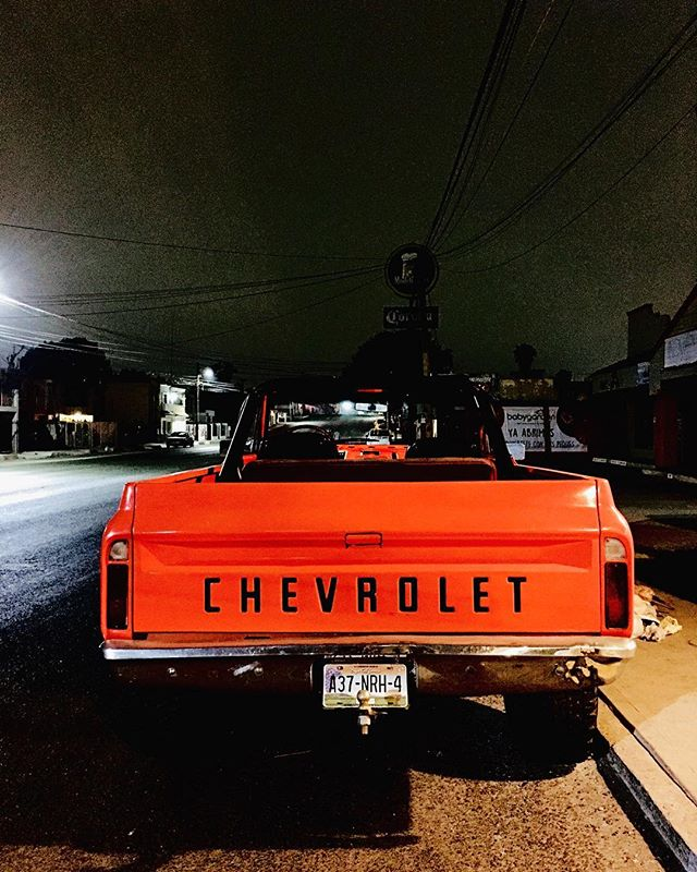 Night Chevy, Baja