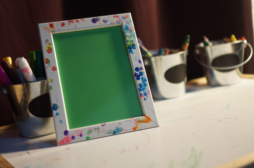 The finished dip dot frame, ready for gifting.