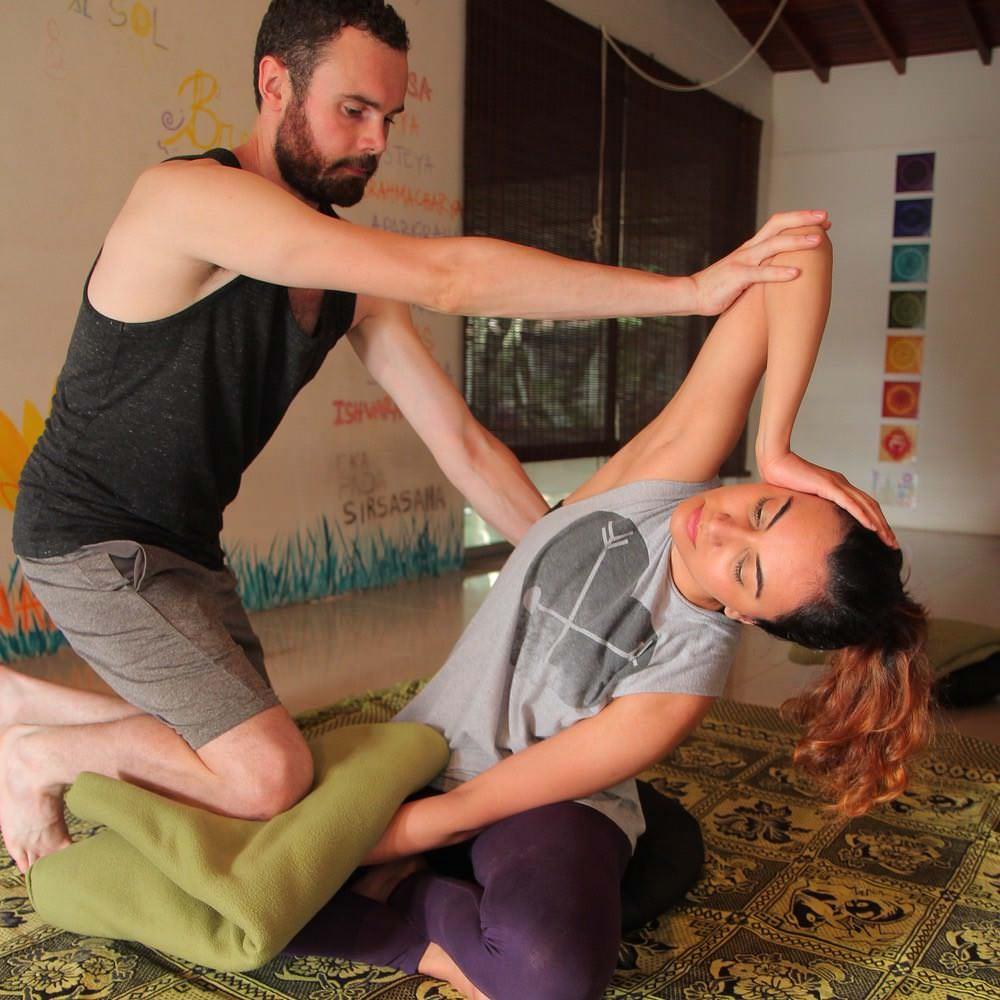 Flying Tree Yoga Medellín terapia de masaje y reiki 4