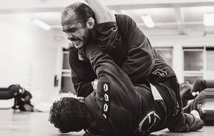 http://www.bjjee.com/articles/bernardo-farias-analogy-using-strength-bjj-will-change-mind/