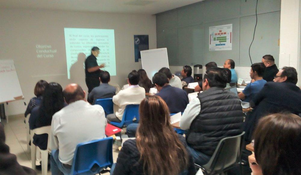 Instructor introducción del curso.jpeg