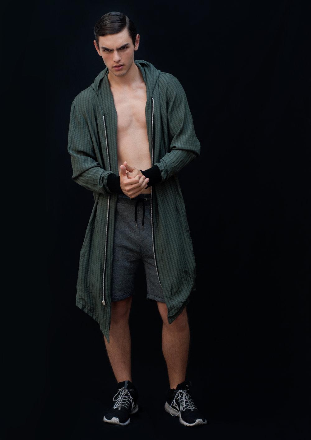 jacket   DIEGO ZUNIGA MENSWEAR ,  shorts   LOB ,  tenis   PIRMA