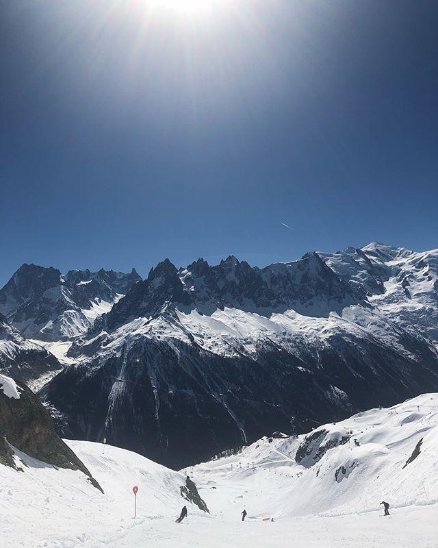 Blue sky ski days