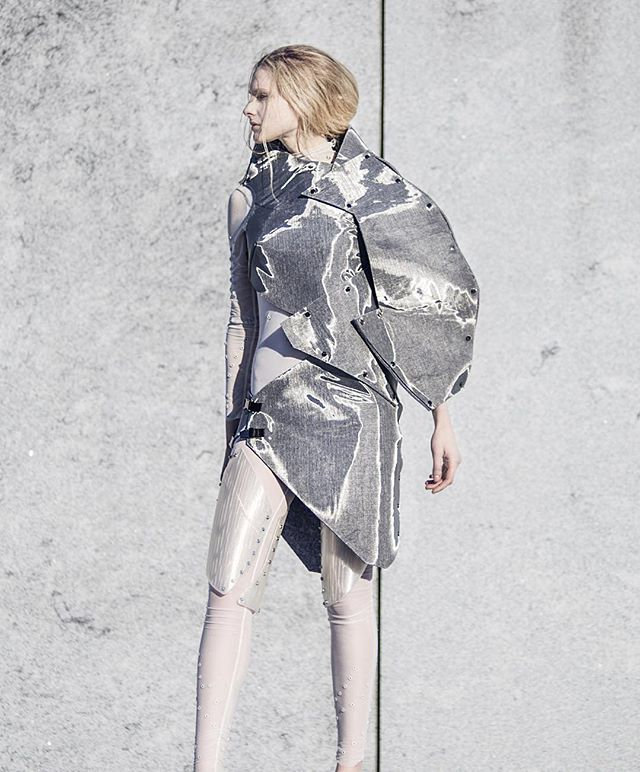 Exsolutio (collection) by #NicolaRomagnoli. (Link in bio)  #fashion #fashiondesign #design #fashionphotography #modern #modernart #technology #conceptual #future #futuristic #metal #architecture #3dprinting #conceptual #liberation #nyc #parsonsfashion #parsons #model #beauty #rooseveltisland #concrete #dominance #bionic #ethereal #alien #contemporary #style #fashion #photooftheday