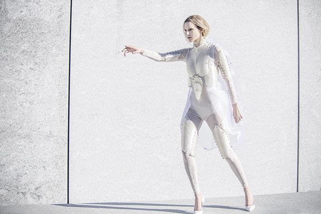 Exsolutio (collection) by #NicolaRomagnoli (link in bio). #fashion #fashiondesign #nyc #parsons #parsonsfashion #conceptual #futuristic #future #3dprinting #rooseveltisland #model #beauty #liberation #design #art #fineart #concretejungle #newyorkcity #technology #contemporary #bionic