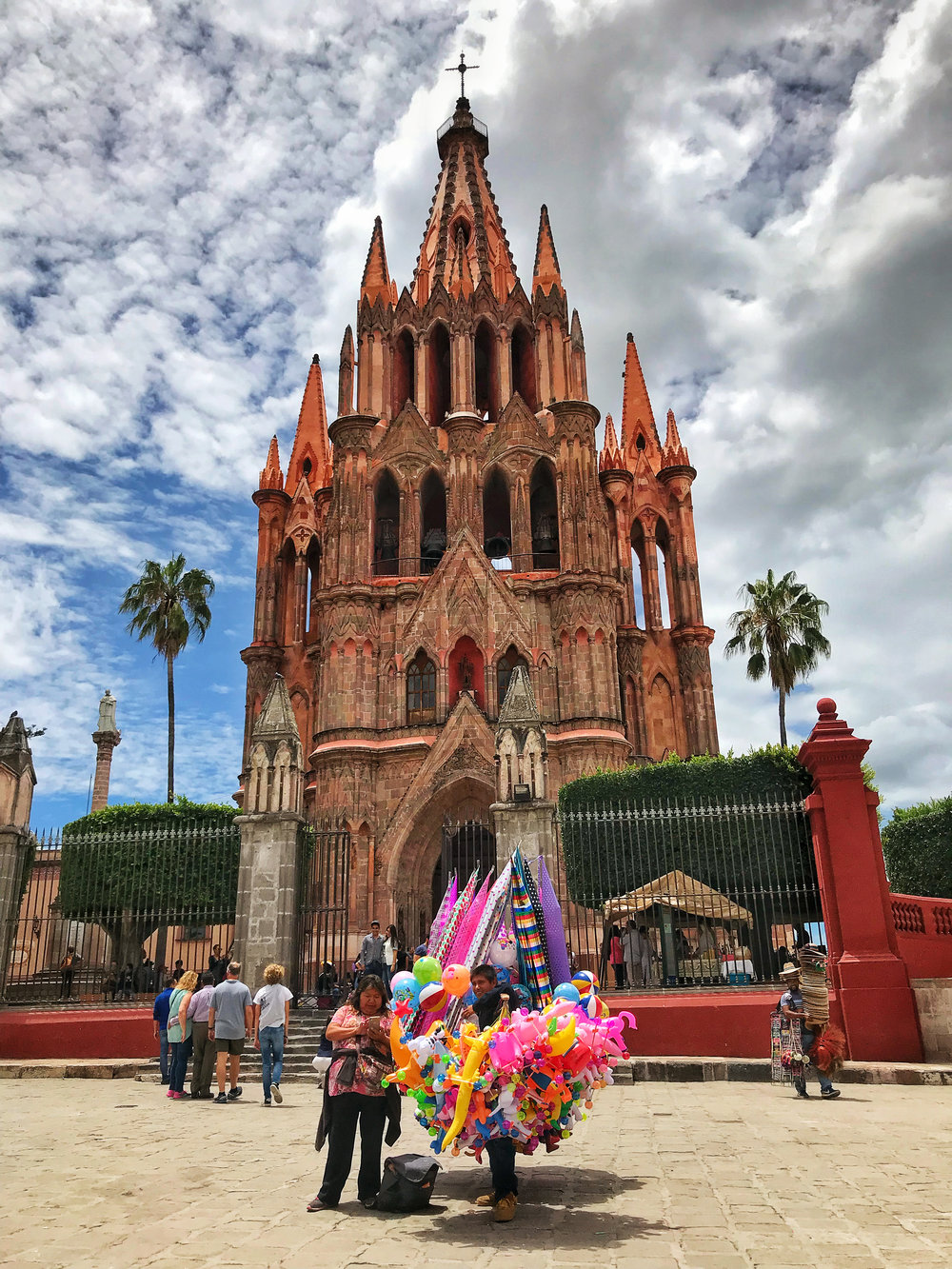 Balloon Vendor in front of the church of San Miguel de Allende.