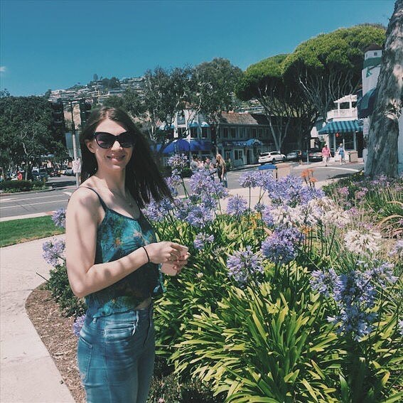 Happy Summer, everyone! ❤🌸🌷🌺 . . . . . #film #youtube #comedy #actorlife #acting #beach #filmmaking #hollywood #actress #livingthedream #actor #filming #filmmaker #laguna #movies #summer #flowers #laactor #losangelesactor #womeninfilm #entertainment #actorsofinstagram #actorslife