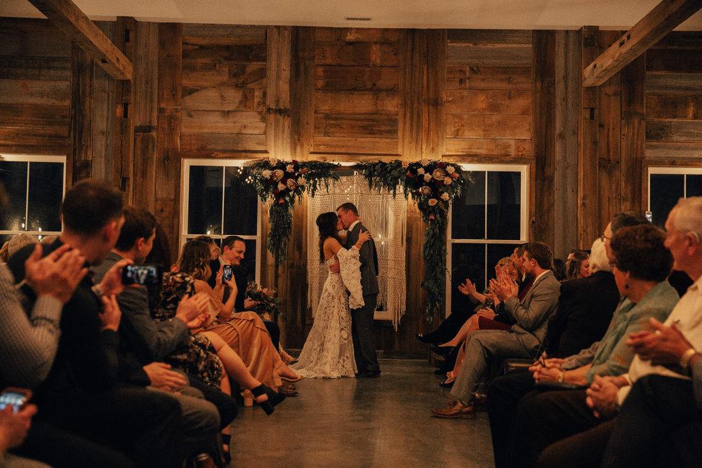 rapid-creek-cidery-iowa-city-wedding-565.jpg