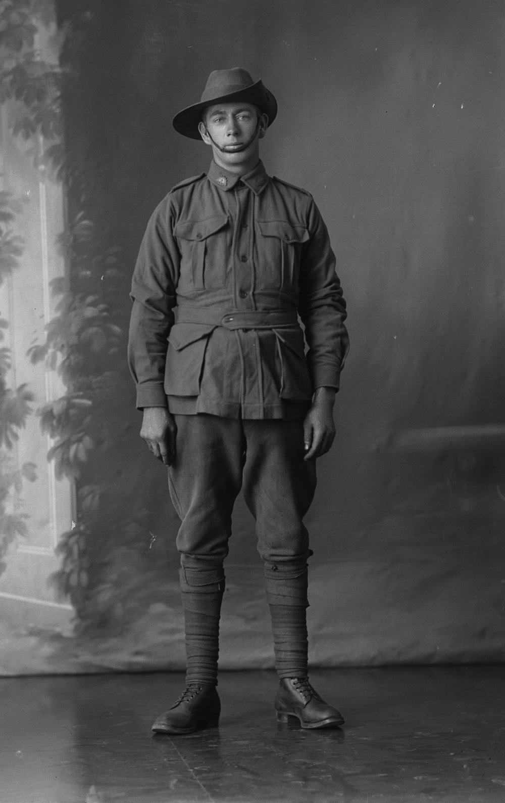 Photographed at the Dease Studio, 117 Barrack Street Perth WA Image courtesy of the State Library of Western Australia: 108310PD