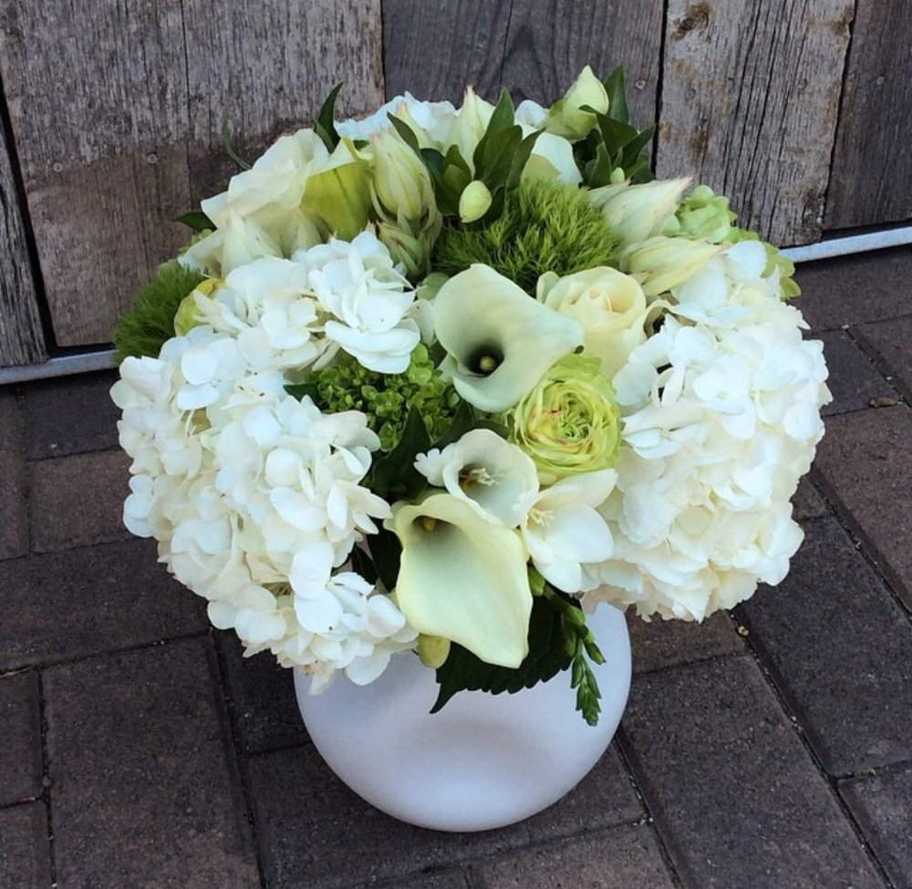 25. White and Green Arrangement