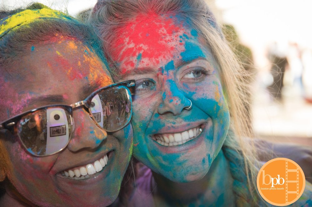 holi girls open air.JPG