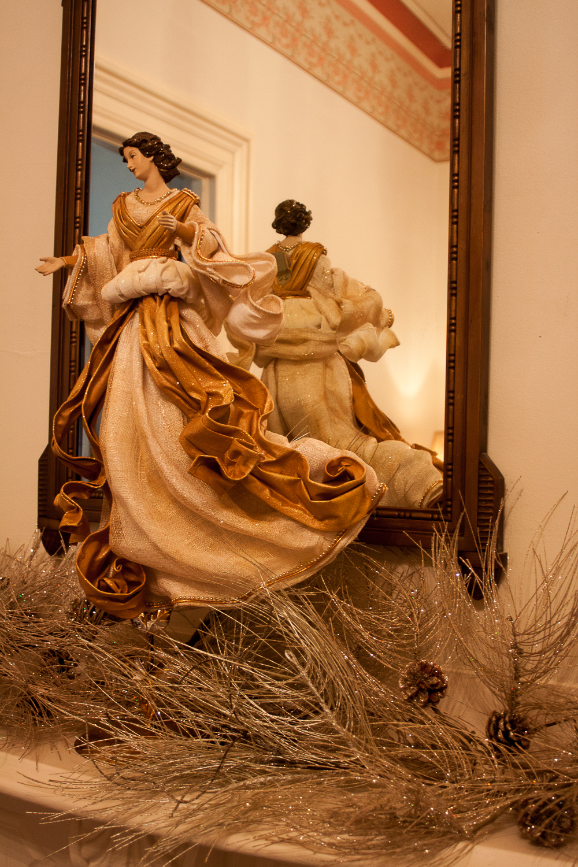 Christmas decorating-7406.jpg