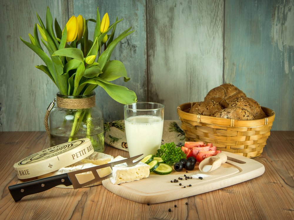 basket-bread-cheese-262937.jpg