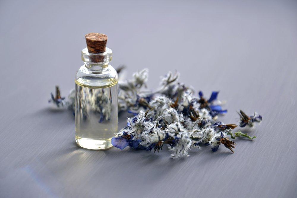 aromatherapy-aromatic-bottle-932577.jpg
