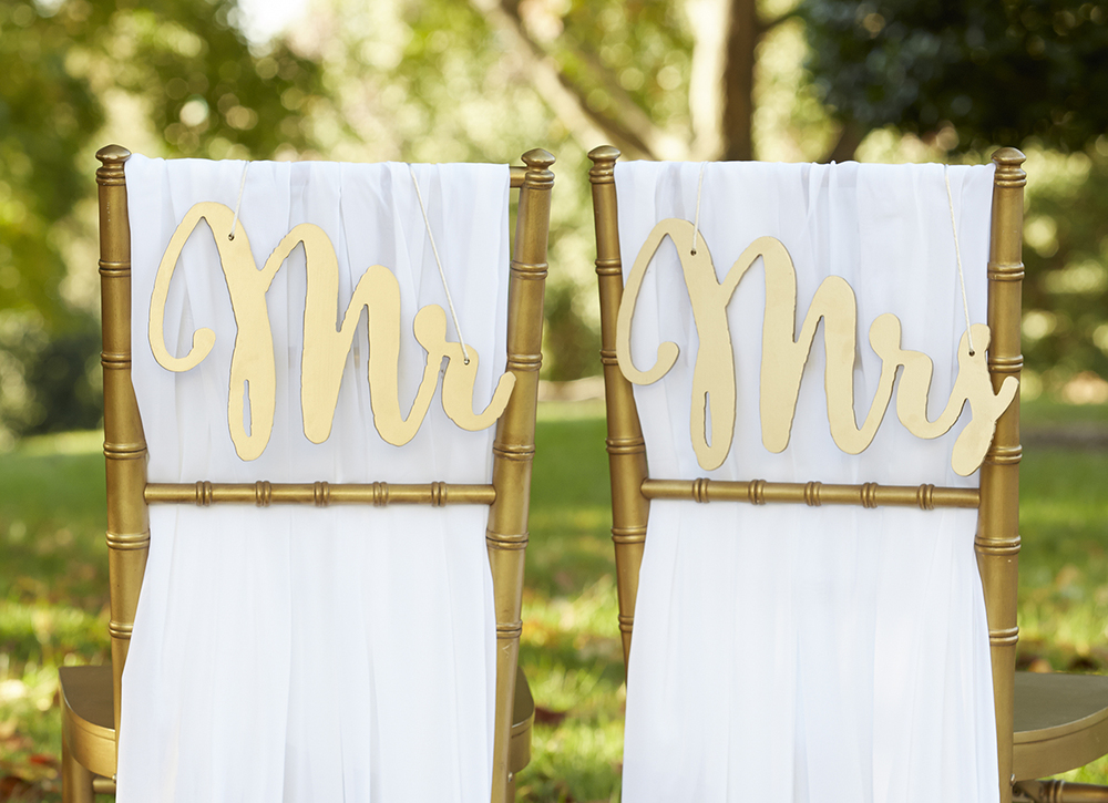 MR. AND MRS. SIGNS $7.50