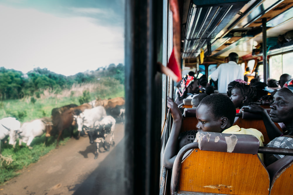 Refugees traveling from Gambela, Ethiopia toward South Sudan border