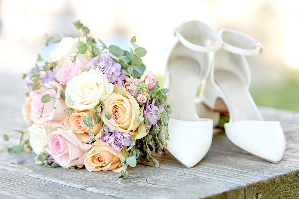 ©2017KrystalCraven - wedding shoes and bouquet