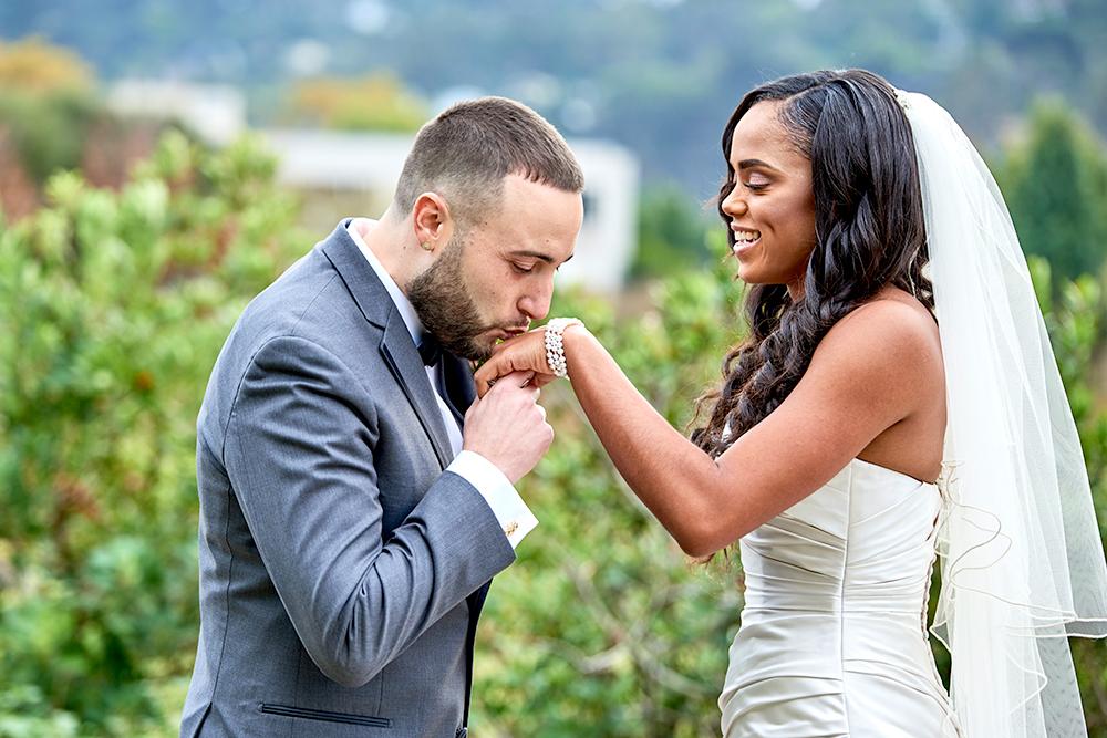 2017KrystalCraven-groom-kissing-brides-hand