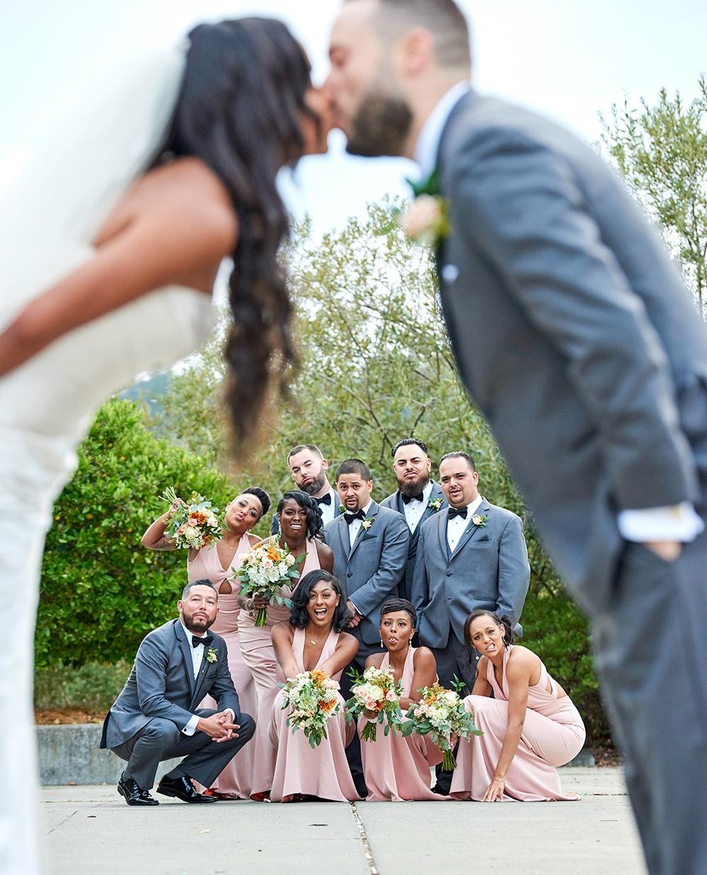 2017KrystalCraven-wedding-party-posed-portrait-fun