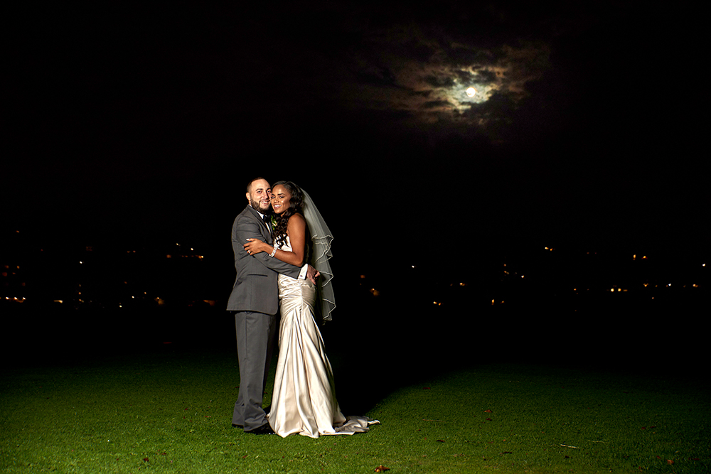 2017KrystalCraven-bride-and-groom-nighttime-portraits-with-moon