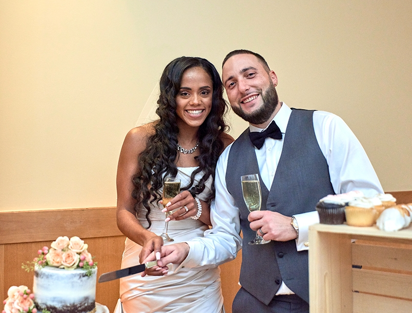 2017KrystalCraven-wedding-cake-cutting