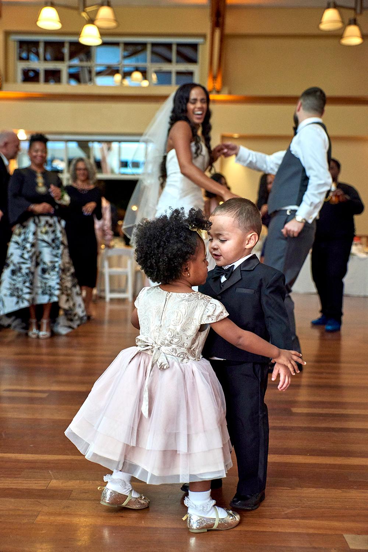 2017KrystalCraven-wedding-reception-dancing
