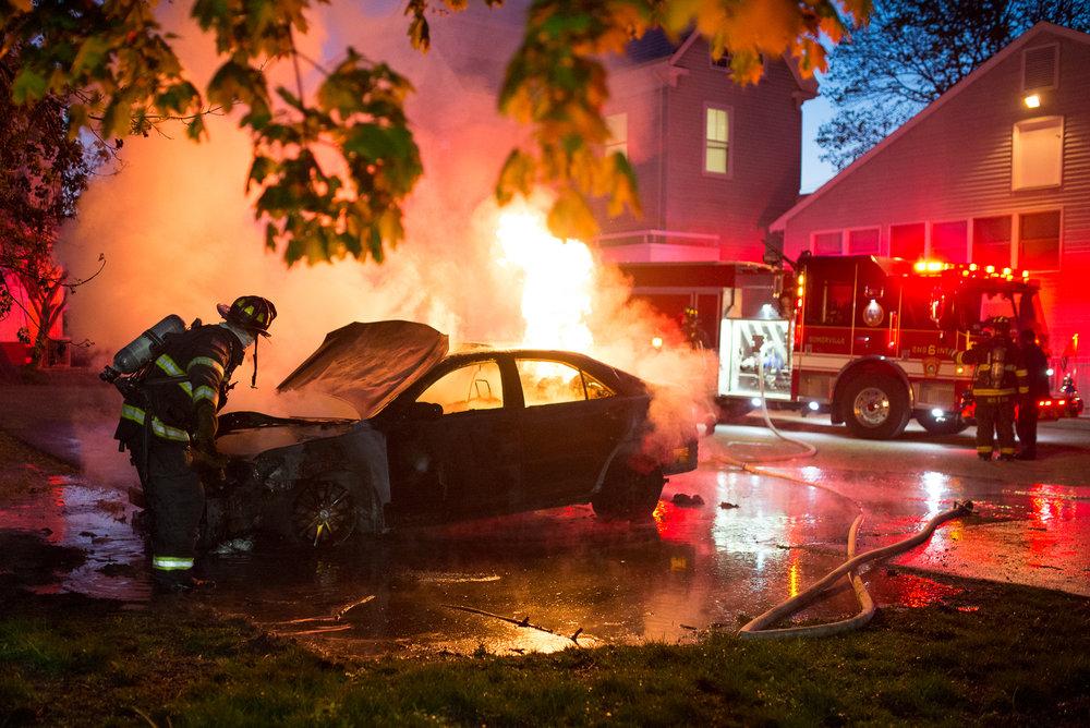012016-05-09-Tufts Car Fire-458403040384.jpg